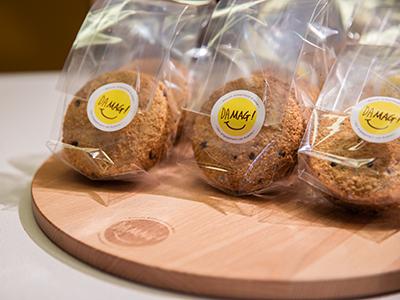 verpakte cookies op plank